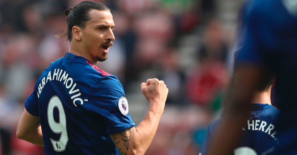 Zlatan Ibrahimovic comemora gol marcado pelo Manchester United contra o Sunderland, pelo Campeonato inglês