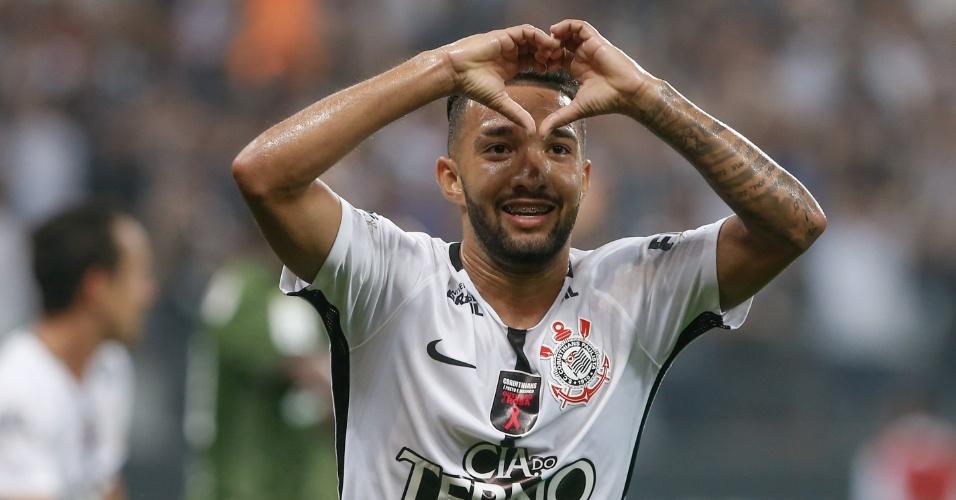 Clayson fez o segundo gol do Corinthians sobre o Coritiba