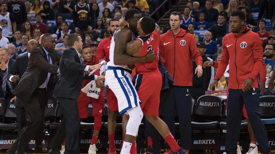 Draymond Green e Bradley Beal brigam durante jogo da NBA - Kyle Terada/USA TODAY Sports