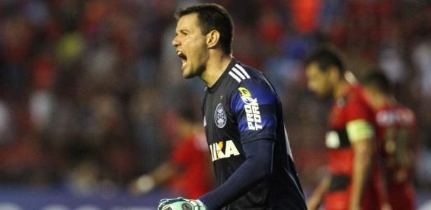 Wilson pegou dois pênaltis contra o Sport: mais defesas difíceis no Brasileirão - Marlon Costa/Futura Press/Estadão Conteúdo