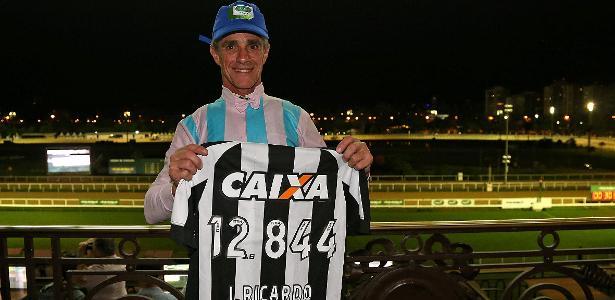 Botafogo presta homenagem a Jorge Ricardo no Jockey Club Brasileiro