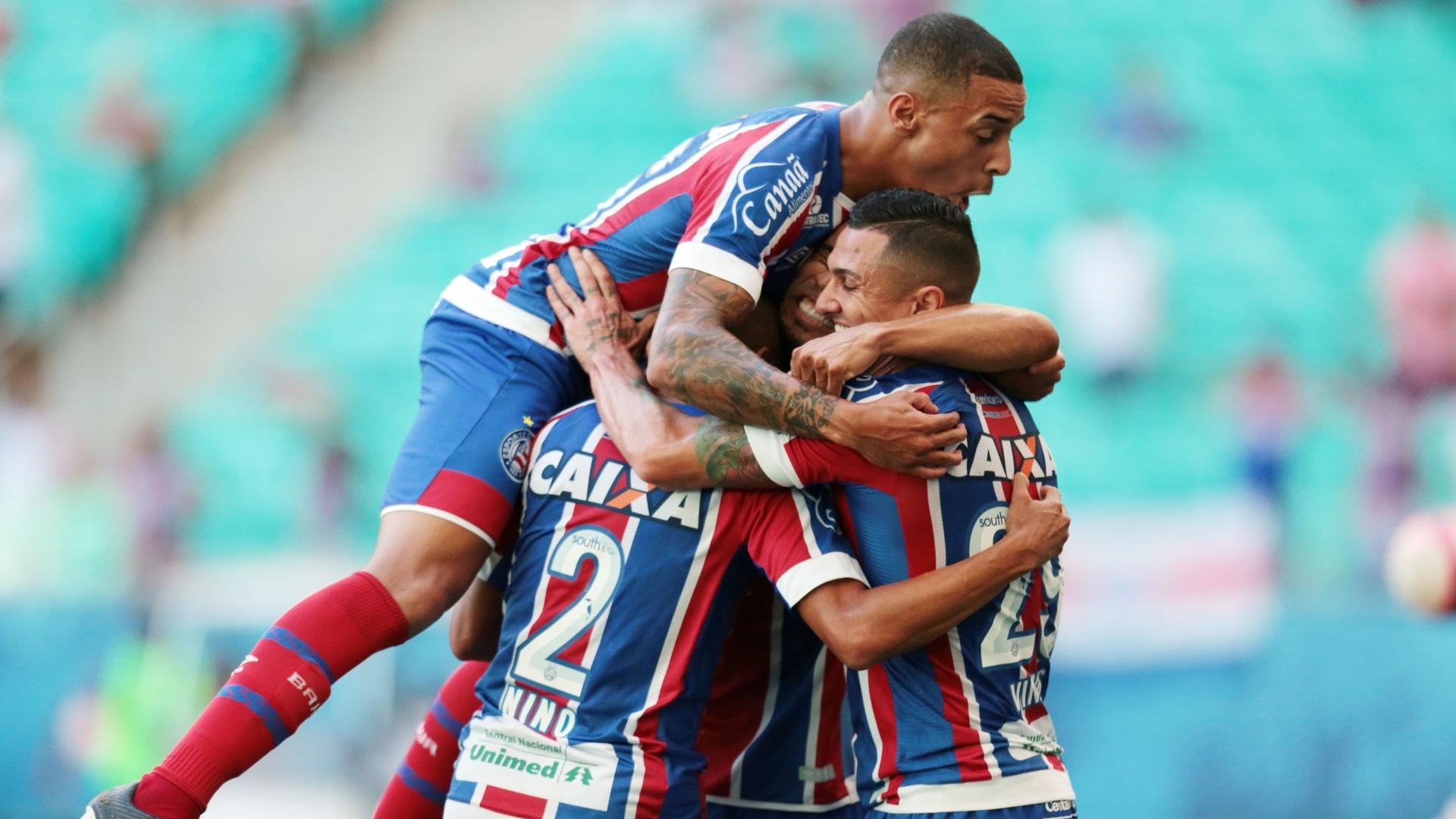 Jogadores do Bahia comemoram vitória no Estadual
