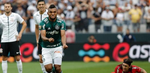 Resultado de imagem para Palmeiras segura Corinthians, vence jogo quente em Itaquera e abre vantagem
