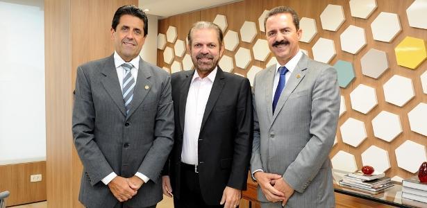 Reinaldo Carneiro Bastos, presidente da FPF (centro); procuradora do TJD não é filha dele - Rodrigo Corsi/FPF