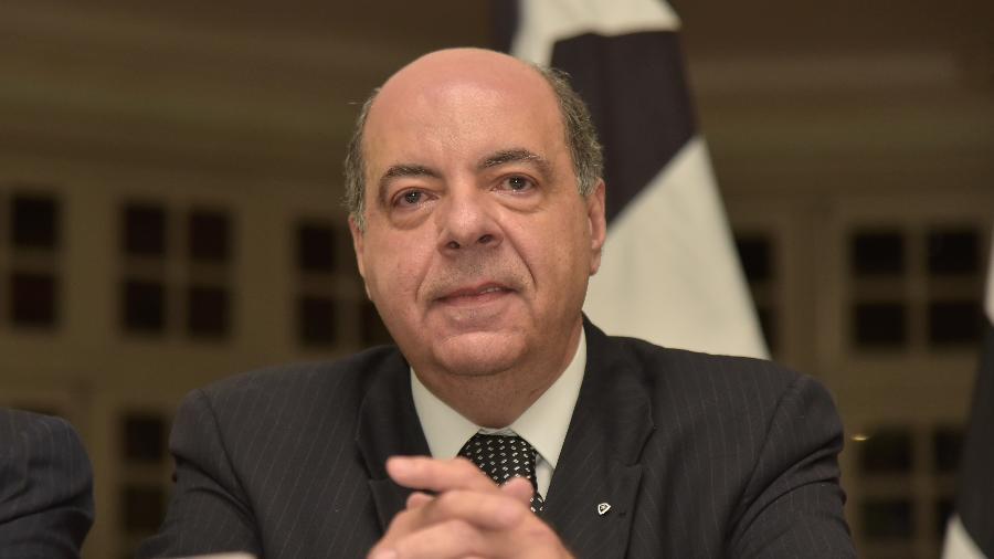 Diretoria do Botafogo, encabeçada pelo presidente Nelson Mufarrej, busca soluções para atravessar a crise financeira - Thiago Ribeiro/AGIF