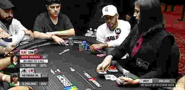 Neymar jogando pôker em SP - Reprodução - Reprodução