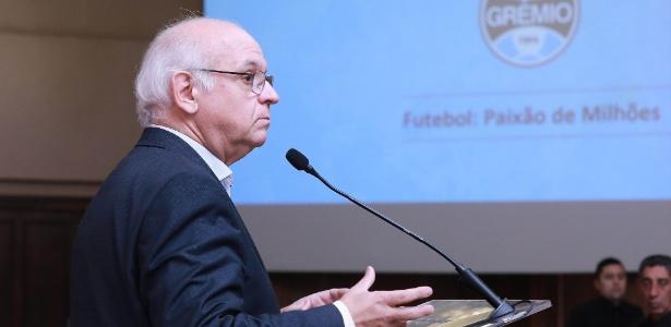 Romildo Bolzan Jr. garante que Grêmio não irá solicitar remarcação de jogos - Lucas Uebel/Grêmio