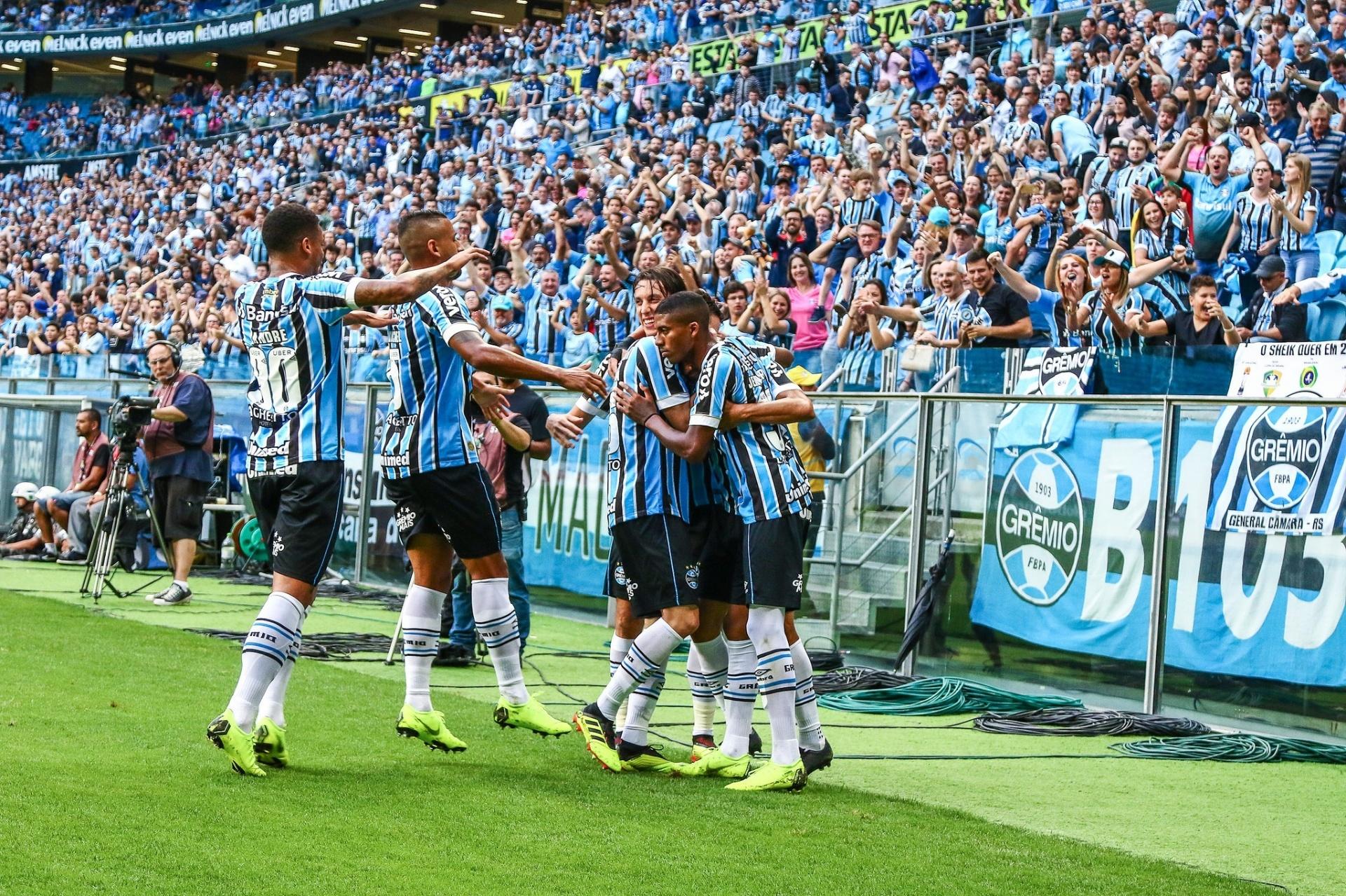 Gols da rodada  SP e Grêmio acirram luta por vaga direta na Libertadores -  18 11 2018 - UOL Esporte b400aeca5e13e