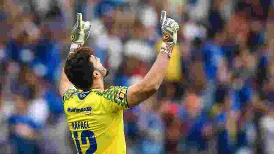 Goleiro Rafael, hoje no Cruzeiro, pode acabar no Atlético-MG neste mercado da bola - Divulgação/Mineirão
