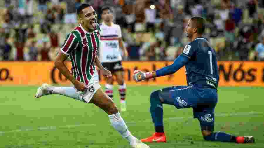Gilberto comemora gol feito contra o Santa Cruz, no Maracanã - LUCAS MERÇON / FLUMINENSE F.C.