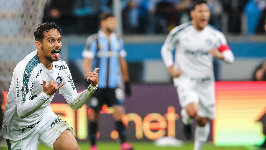 Gustavo Scarpa comemora gol do Palmeiras contra o Grêmio - Pedro H. Tesch/AGIF