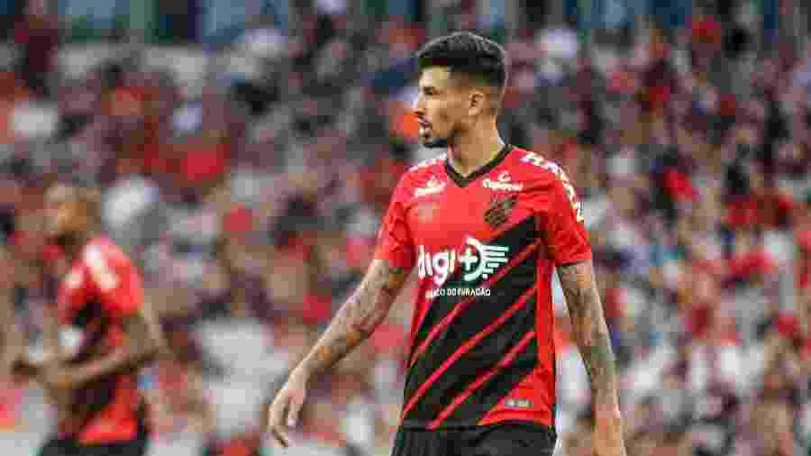 Zagueiro hoje no Athletico tem contrato com o Corinthians por mais duas temporadas, até o fim de 2021 - Gabriel Machado/AGIF