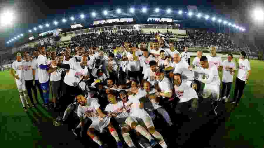 Jogadores do Bragantino comemoraram o acesso à Série A e o título da Série B - Divulgação/Bragantino