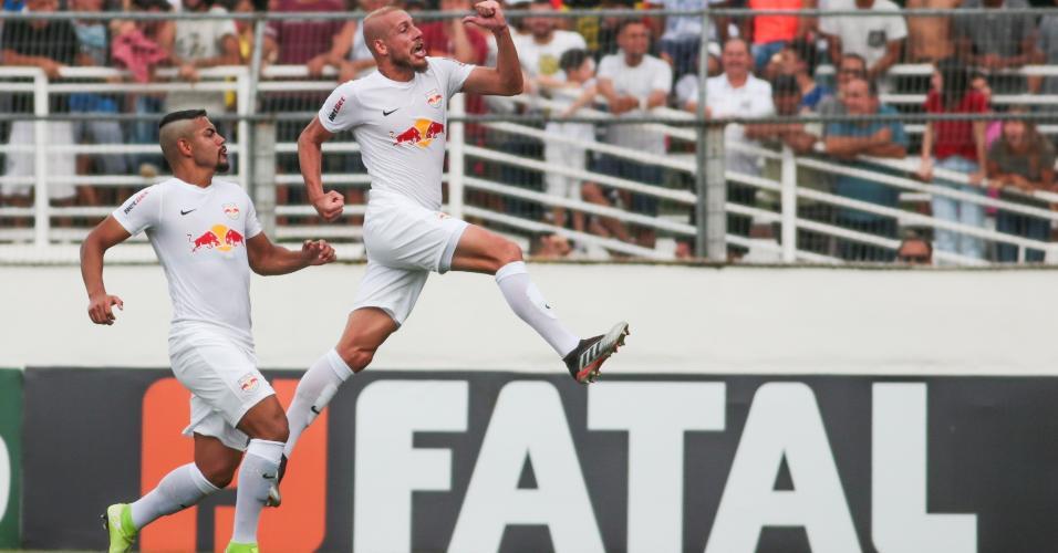 Uillian Correia comemora gol pelo Bragantino contra o Palmeiras no Paulistão