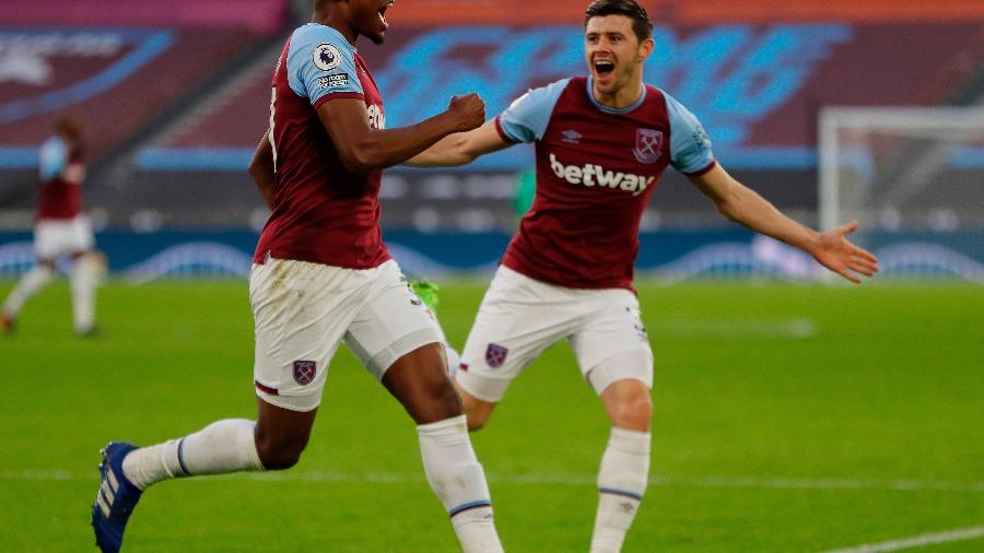 Jogadores do West Ham comemoram empate com o Brighton no Campeonato Inglês - West Ham