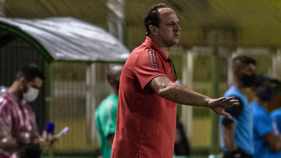 Rogério Ceni comandou o Flamengo na partida contra o Bangu, em Volta Redonda, pelo Carioca - Marcelo Cortes / Flamengo