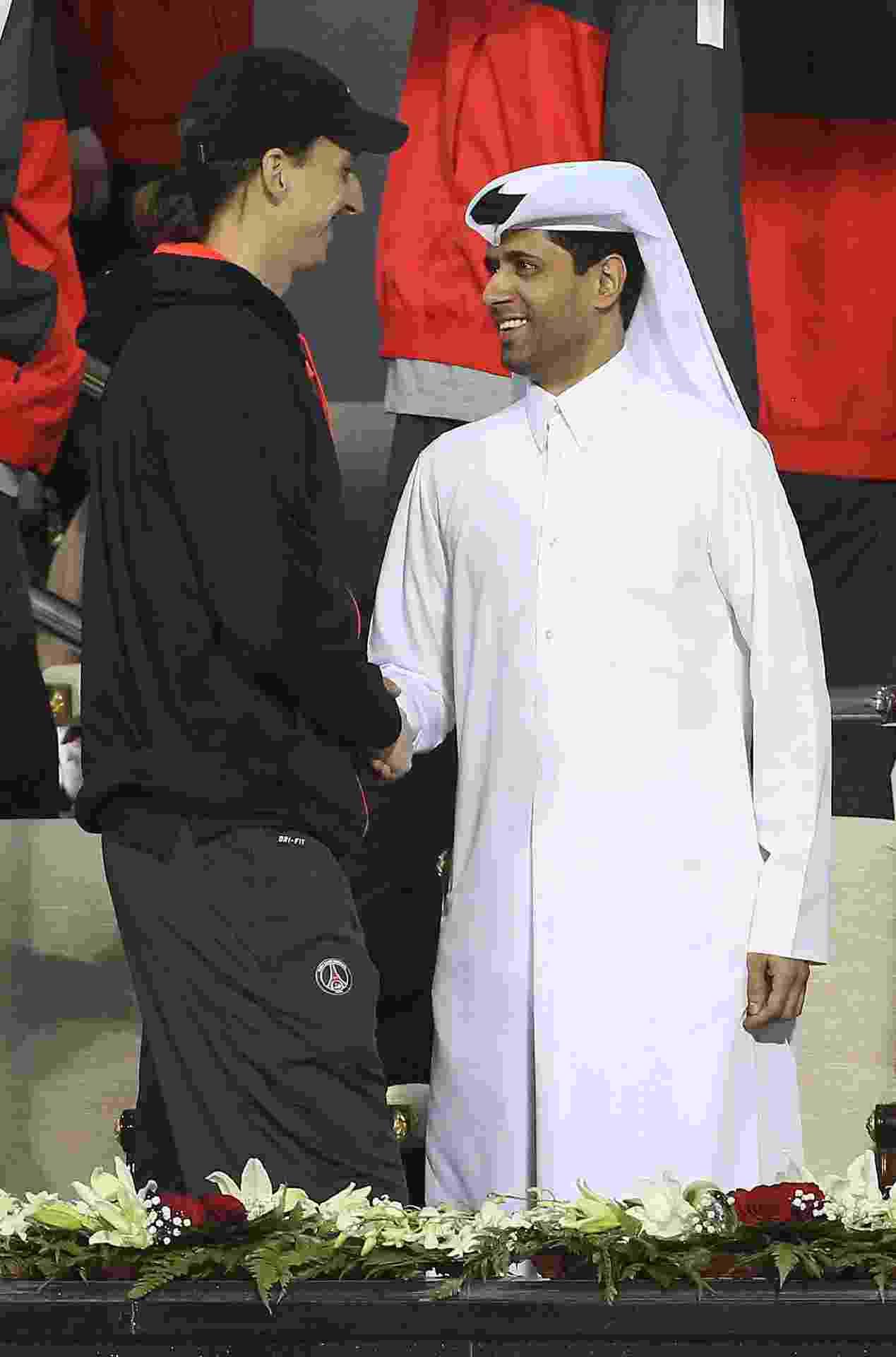 Zlatan Ibrahimovic e Nasser Al-Khelaifi, presidente do PSG, durante o Qatar Open de tênis em 2013 - undefined