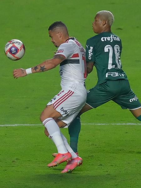 Lance do duelo entre São Paulo e Palmeiras, pela final do Paulista, no Morumbi - Marcello Zambrana/AGIF