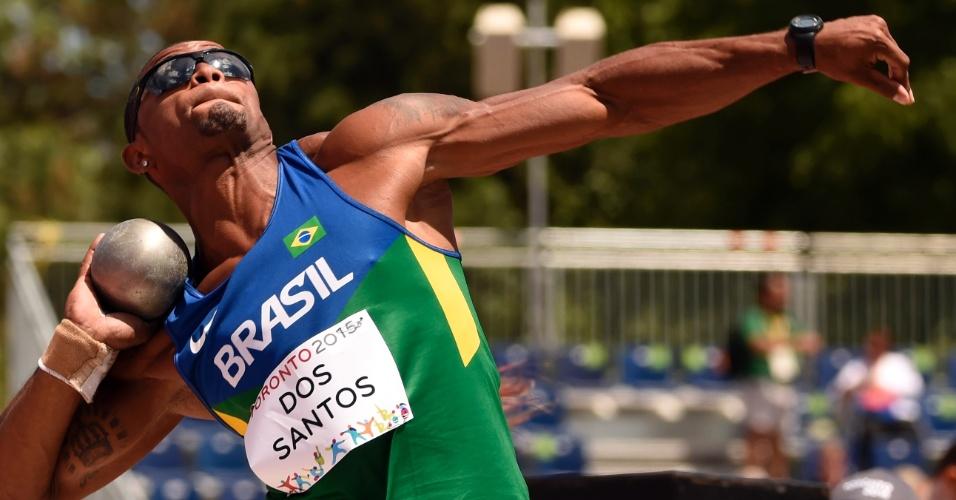 Felipe Dos Santos na prova do arremesso de peso do decatlo