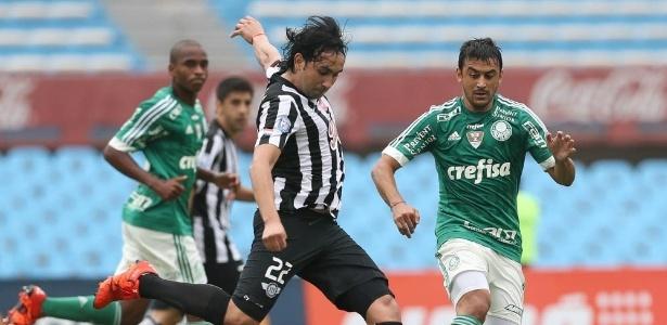 Robinho em ação pelo Palmeiras no amistoso conra o Libertad