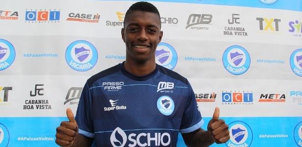 Leandro voltou do Arouca, de Portugal, e estava treinando há duas semanas no Glória