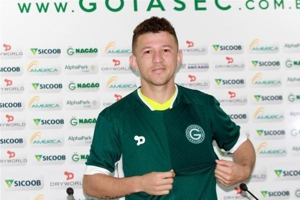 Atacante Rossi, em sua apresentação no Goiás