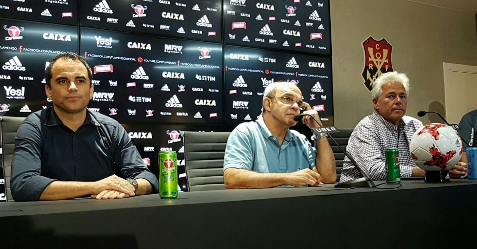 Rodrigo Caetano, Eduardo Bandeira de Mello e Flávio Godinho concedem entrevista coletiva
