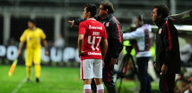 Juan, meia do Inter, recebe tratamento especial para render mais pelo time