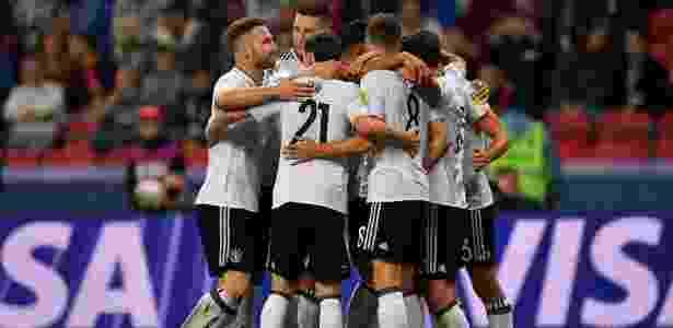 Jogadores da Alemanha comemoram o gol de Lars Stindl contra o Chile - Yuri Cortez/AFP - Yuri Cortez/AFP