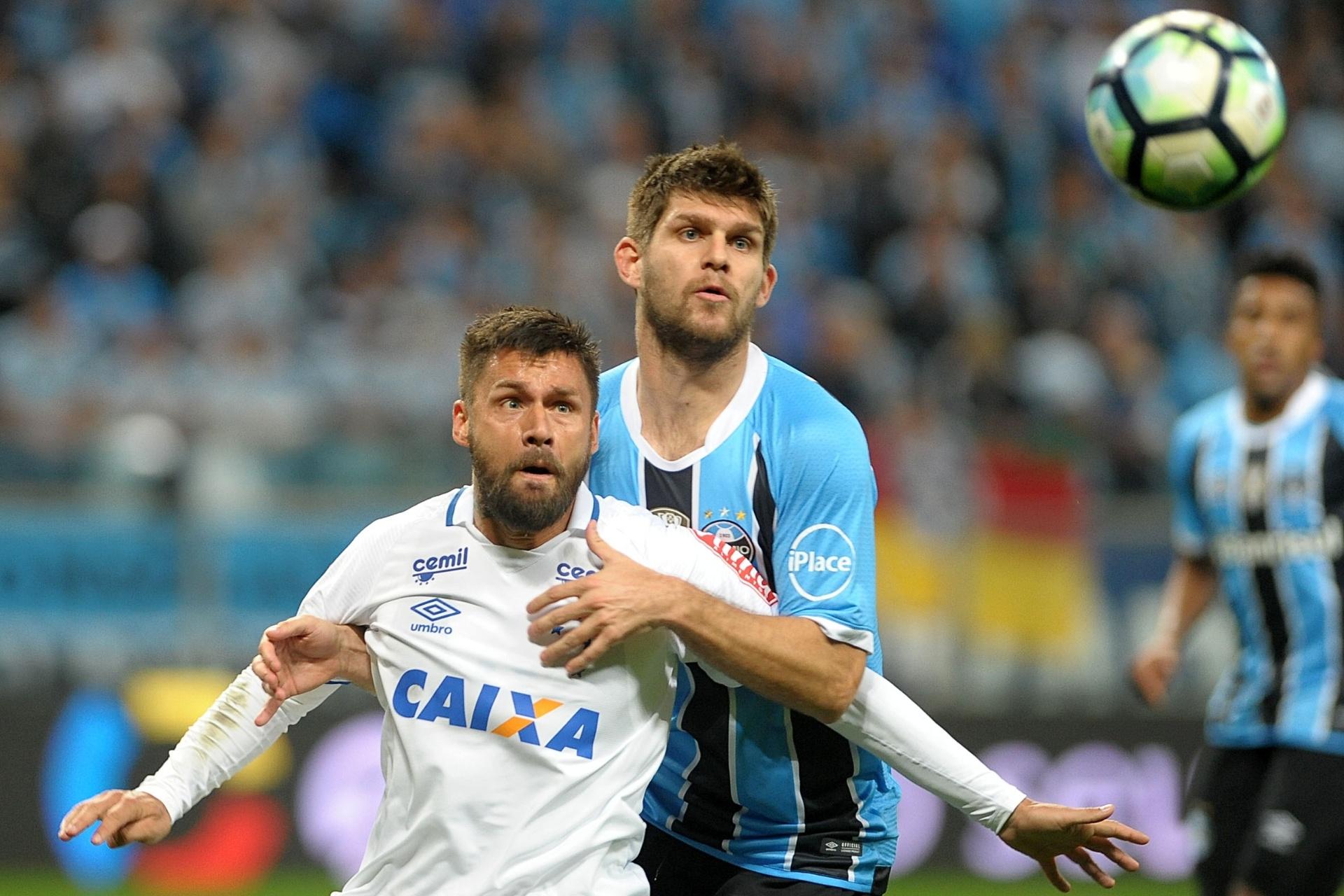 2c6c492390 Rafael Sóbis amplia jejum de gols