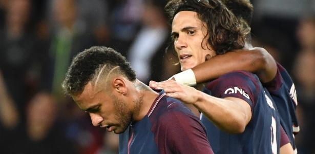 Cavani marcou um na goleada do PSG, em um pênalti sofrido por Neymar - AFP/Bertrand GUAY