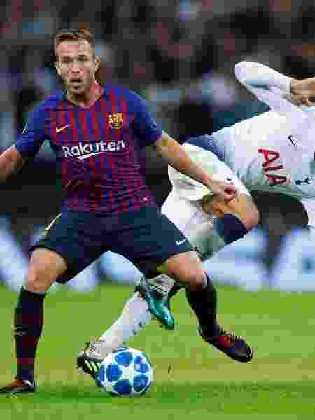 Barcelona deve trazer Miralem Pjanic para substituir o brasileiro - REUTERS/Eddie Keogh
