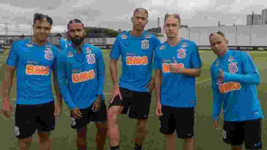Roni, Marquinhos, João Victor, Lucas Piton e Janderson, atletas recentemente revelados na base do Corinthians - Daniel Augusto Jr./Ag. Corinthians