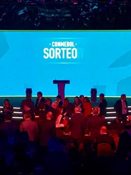 Sorteio dos grupos de edição da Libertadores antes da pandemia - Pedro Ivo Almeida/UOL Esporte