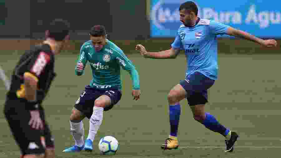 Raphael Veiga abriu o placar no jogo-treino da tarde de hoje na Academia de Futebol - Cesar Greco / Palmeiras