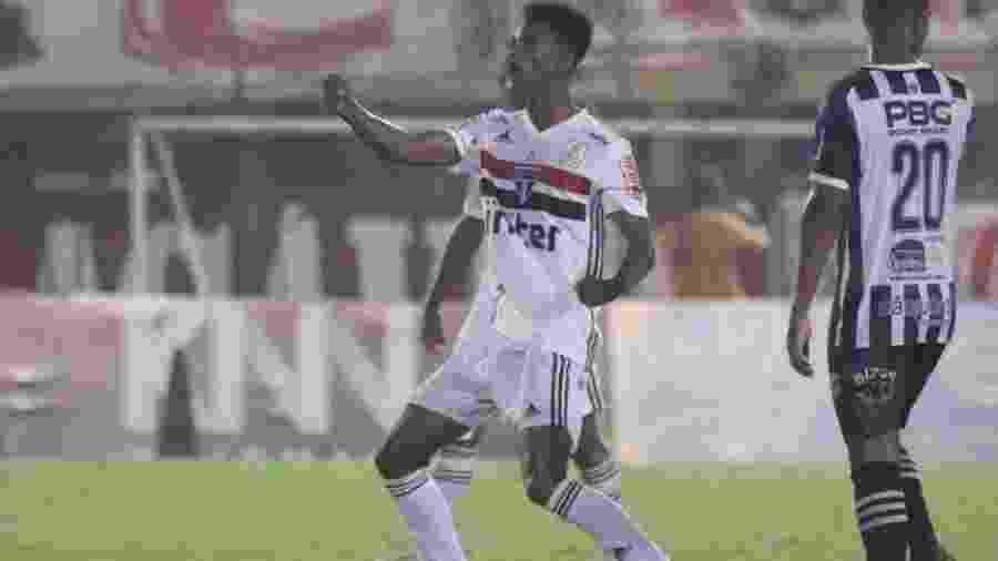 Anilson comemora o gol que classificou o São Paulo para a próxima fase da Copinha - Igor Amorim/spfc.net