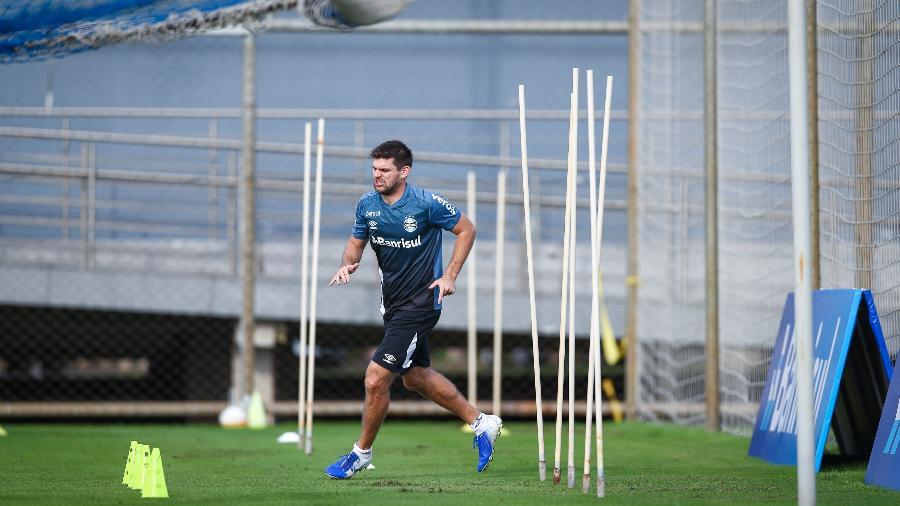 Walter Kannemann vive expectativa de retornar ao time titular do Grêmio - Lucas Uebel/Grêmio FBPA