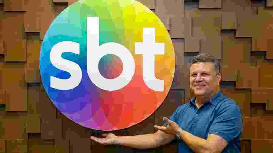 Téo José, após assinar contrato para ser narrador do SBT - Gabriel Cardoso/SBT