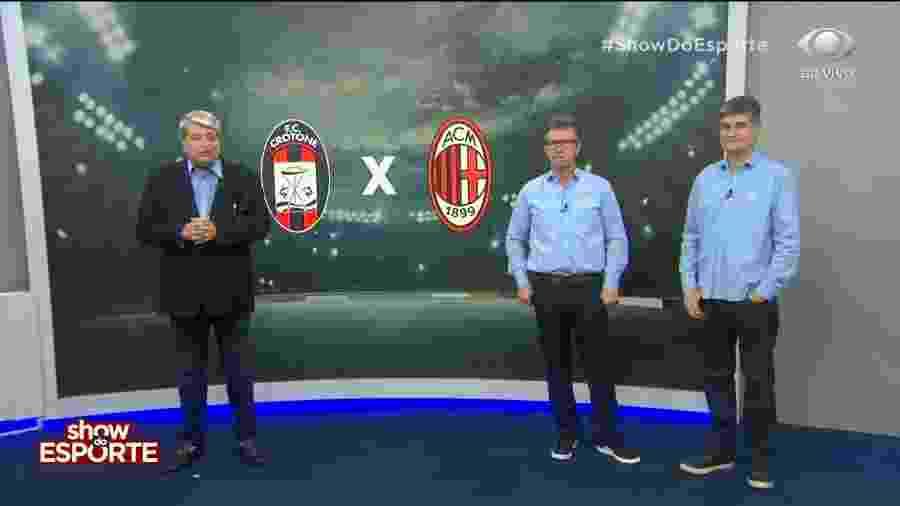 Datena (esquerd) ao lado de Neto e Fabio Piperno durante transmissão de Crotone x Milan - Reprodução/Band