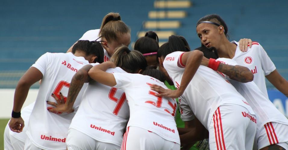 Equipes femininas de base do Colorado disputarão o Brasileiro sub-16 e sub-18 em Sorocapa, interior de São Paulo