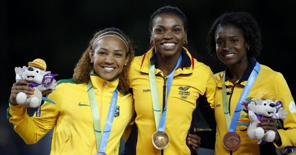Keila Costa, à esquerda, levou medalha de prata no salto triplo dos Jogos Pan-Americanos de Toronto