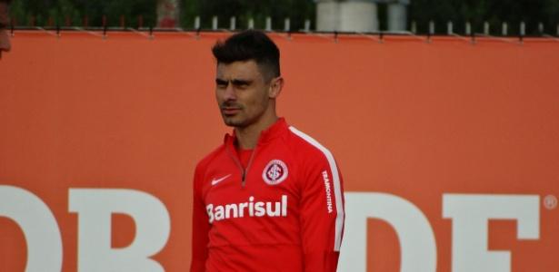 Alex foi o escolhido para substituir D´Alessandro no Inter