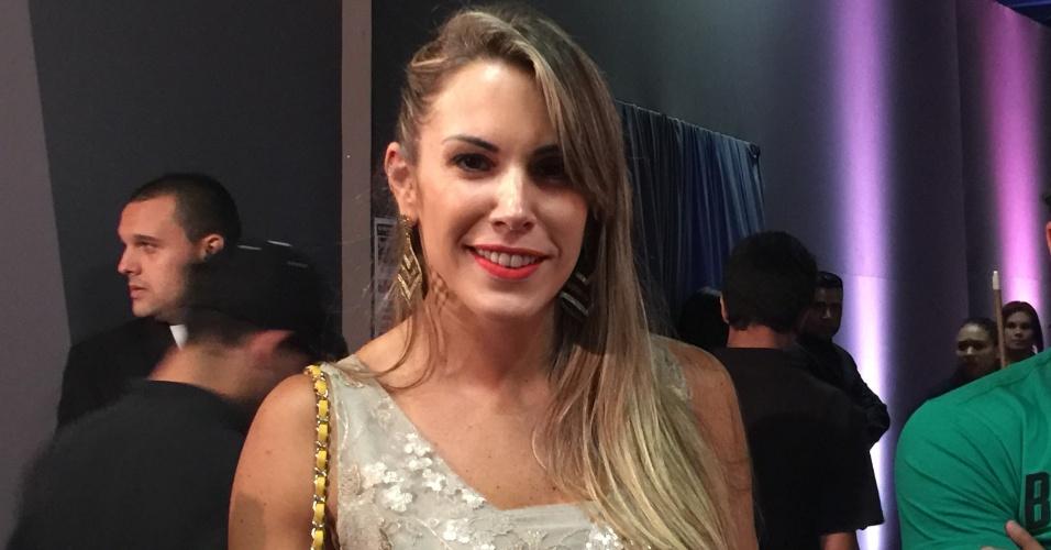 Algumas celebridades circularam pelo lounge do UFC. Mulher de Vitor Belfort, Joana Prado assistiu ao card preliminar no local antes de ver a luta do seu marido