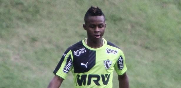 Cazares chegou ao Atlético-MG no início do ano, mas não foi inscrito ainda