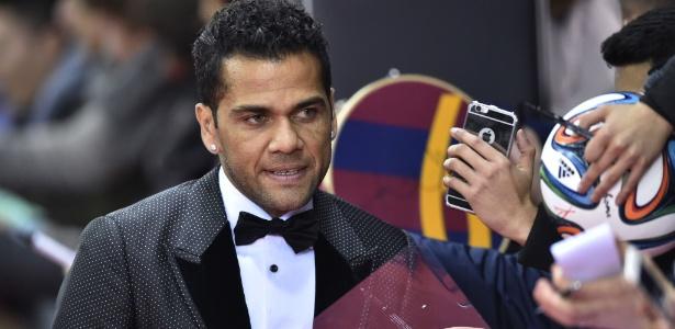 """""""Quanto mais dinheiro, mais problemas"""", disse lateral do Barcelona"""