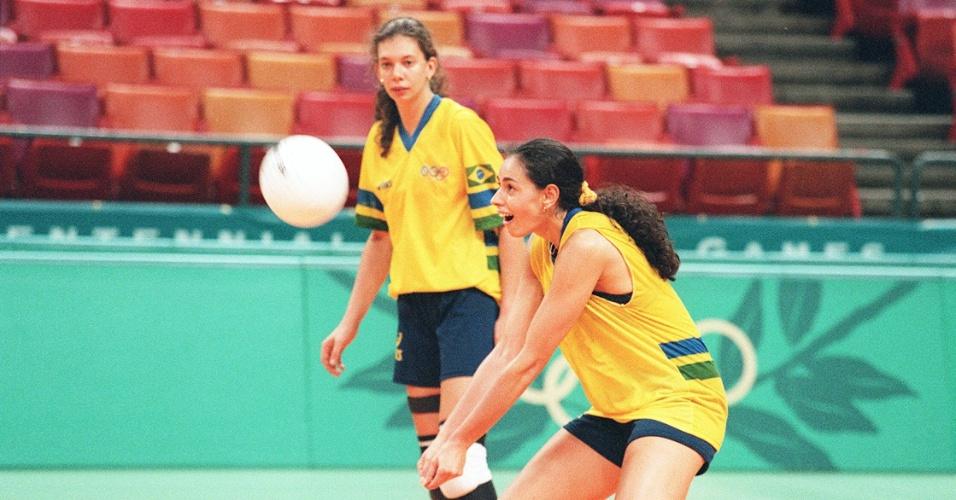 Ana Paula e Ana moser com a seleção brasileira em 1996