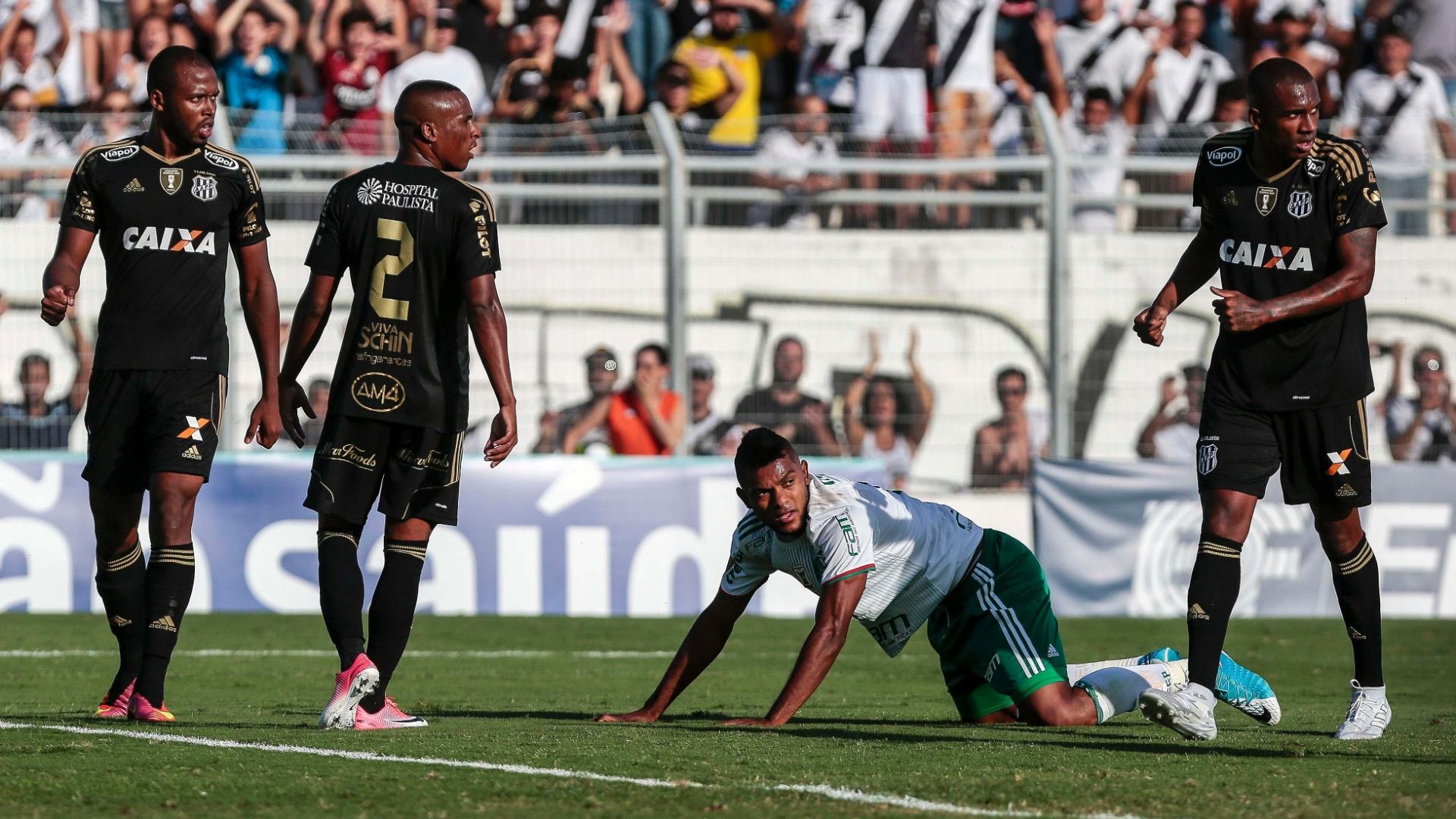 Borja em ação pelo Palmeiras na partida contra a Ponte no Moisés Lucarelli