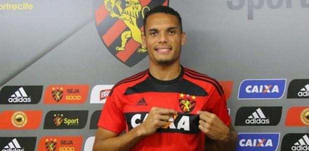 Zagueiro Neris vestirá a camisa 22 no Sport