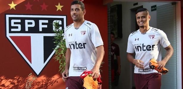 Diego Souza e Everton antes do treino do São Paulo - Rubens Chiri / saopaulofc.net