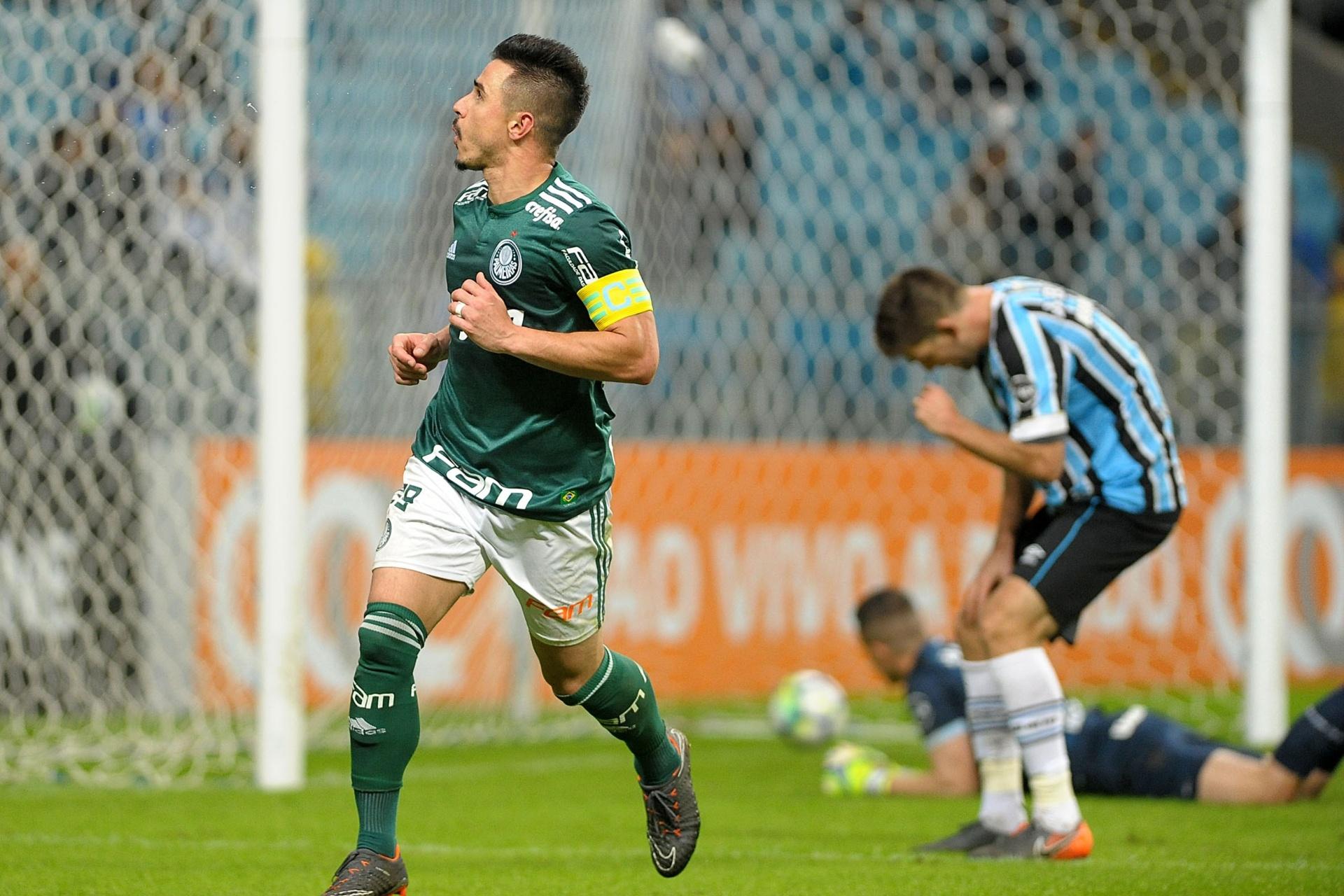 Willian faz dois e Palmeiras vence no reencontro de Roger com o Grêmio -  06 06 2018 - UOL Esporte 78c3d5c7081a5